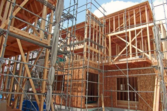 工事中の家